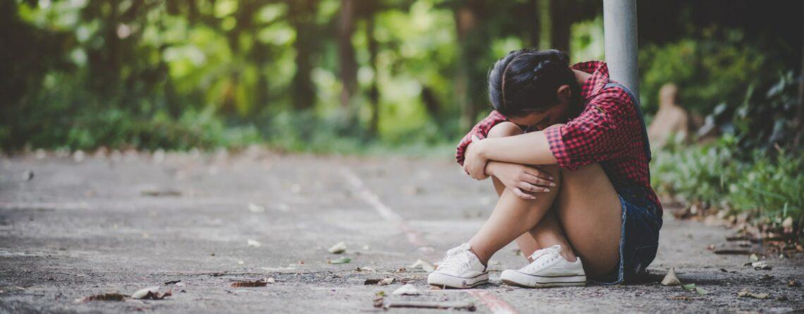 Depresja – problem, który szerzy się wśród nastolatków i młodzieży.